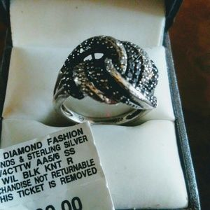 NWT Macy's black white diamond ring silver